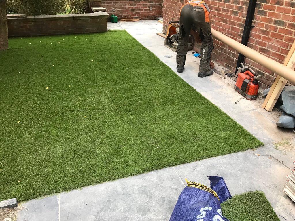 professional gardener in skipton evergreen landscape gardeners